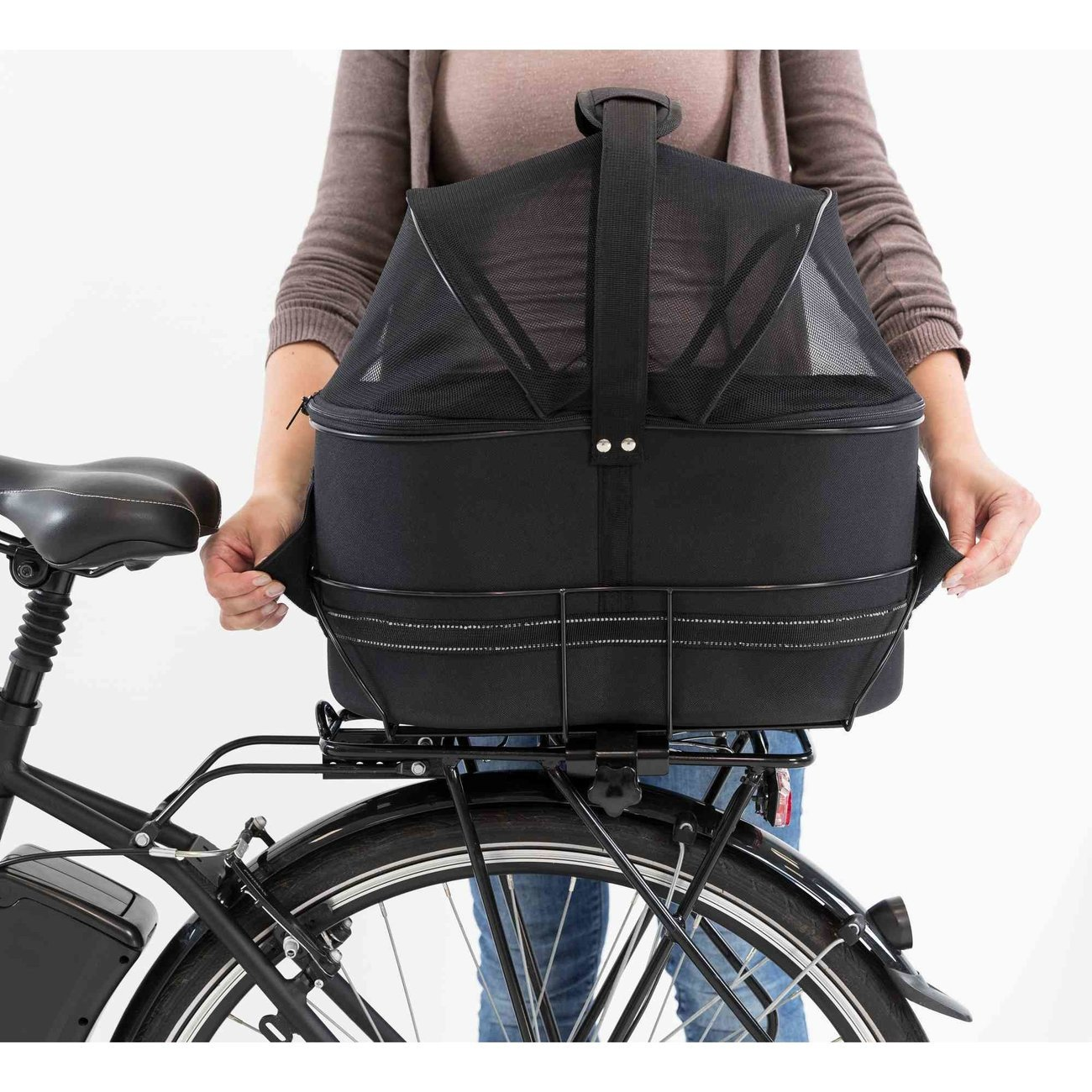 Fahrradtasche mit Metallrahmen für breite Gepäckträger Bild 16