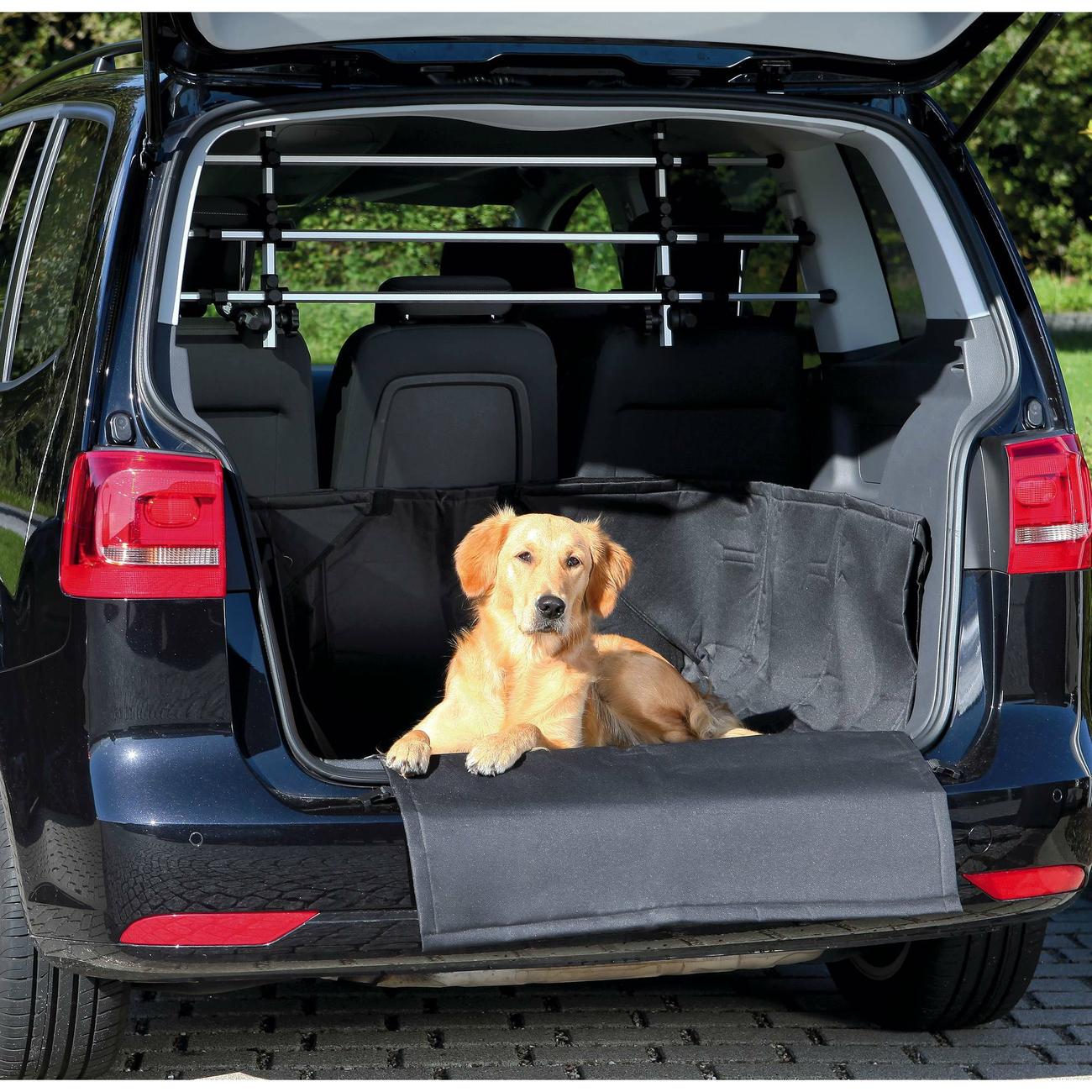 Trixie Kofferraumdecke für Hunde mit Stoßstangenschutz Bild 2